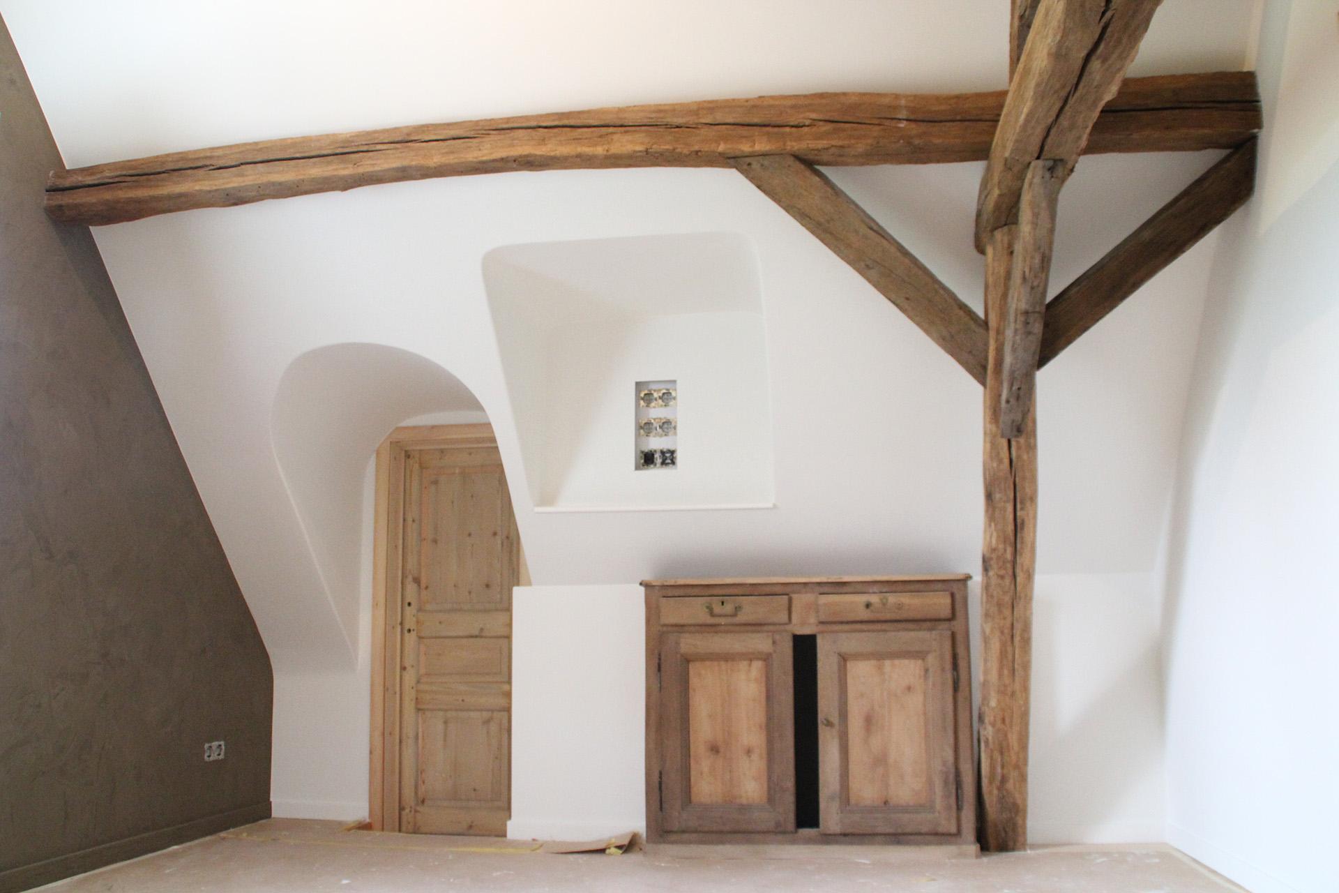 interieur wit rustieke balken